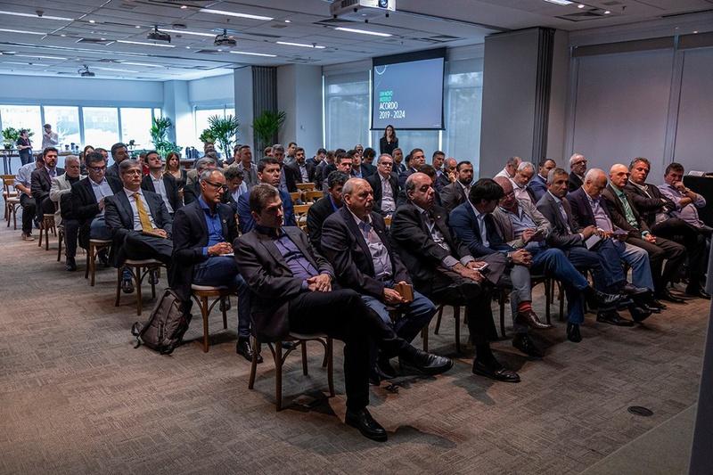 Presidentes de clubes participam de encontro com a Globo