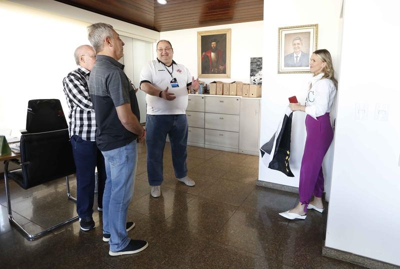 Campello recebeu uma homenagem surpresa dos Vice-Presidentes