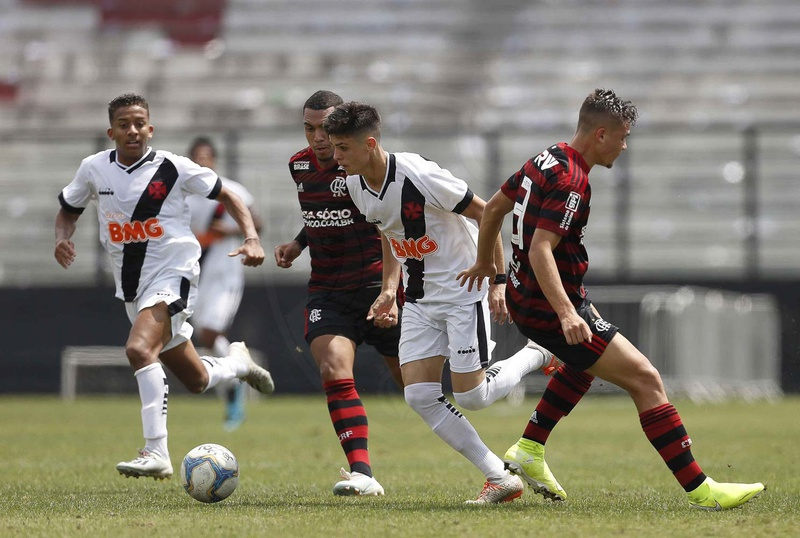 Gabriel Pec teve boa atuação em São Januário