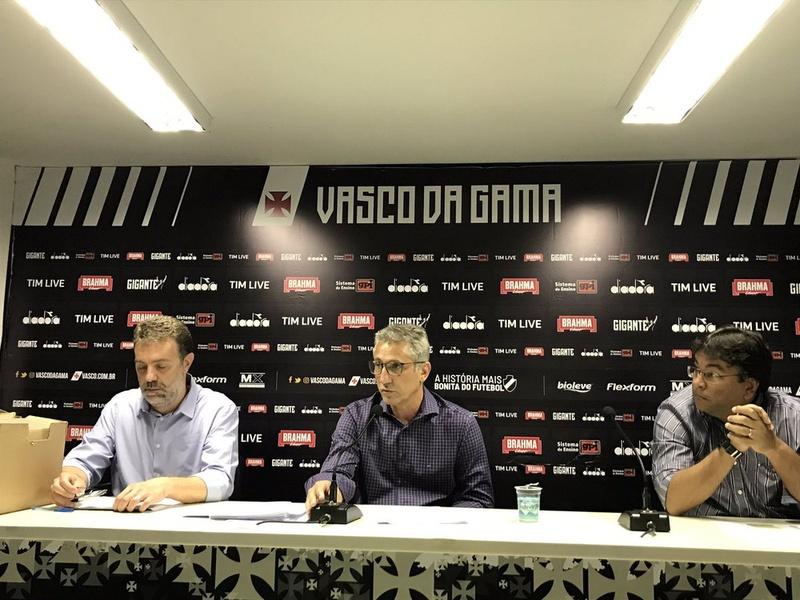 João Marcos Amorim, vice-presidente de finanças; Alexandre Campello e Adriano Mendes, VP