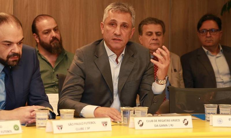 Presidente do Vasco, Alexandre Campello está em busca de investidores