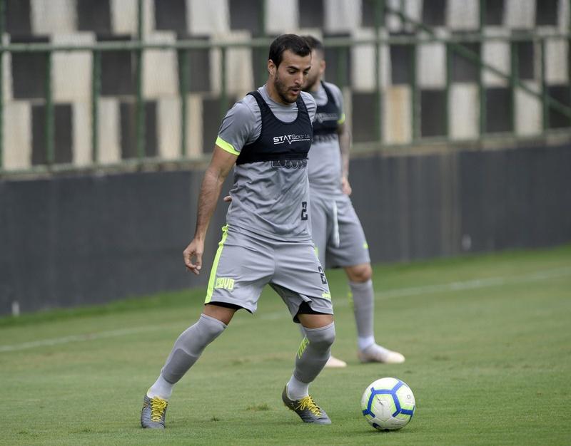 Cáceres no treino do Vasco