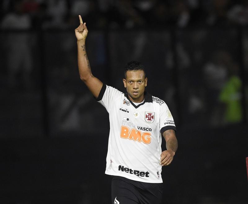 Guarin durante jogo contra o Goiás