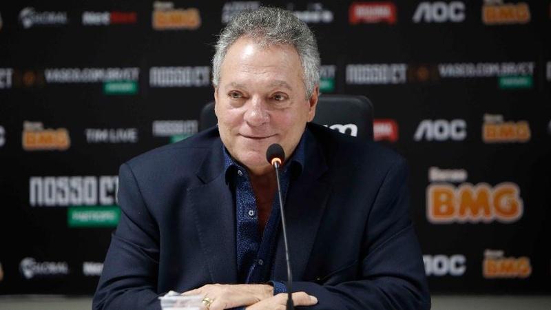Técnico Abel Braga foi apresentado pelo Vasco neste mercado da bola e substituirá Luxemburgo