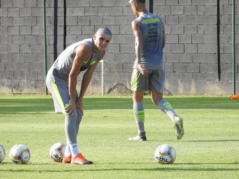 Gabriel Pec impressionou Abel Braga nos primeiros treinos