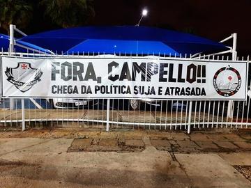 Faixa contra Alexandre Campello