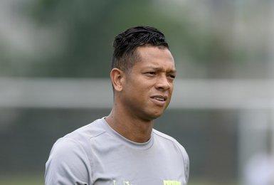Guarín deve ficar à disposição para a estreia na Taça Rio