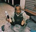 Vasco distribuiu álcool em gel e máscaras para ONG que atende moradores de rua
