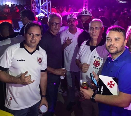 ALEXANDRE ISQUIERDO E PRESIDENTE ALEXANDRE CAMPELLO ESTIVERAM PRESENTES EM FESTA DE ORGANIZADA