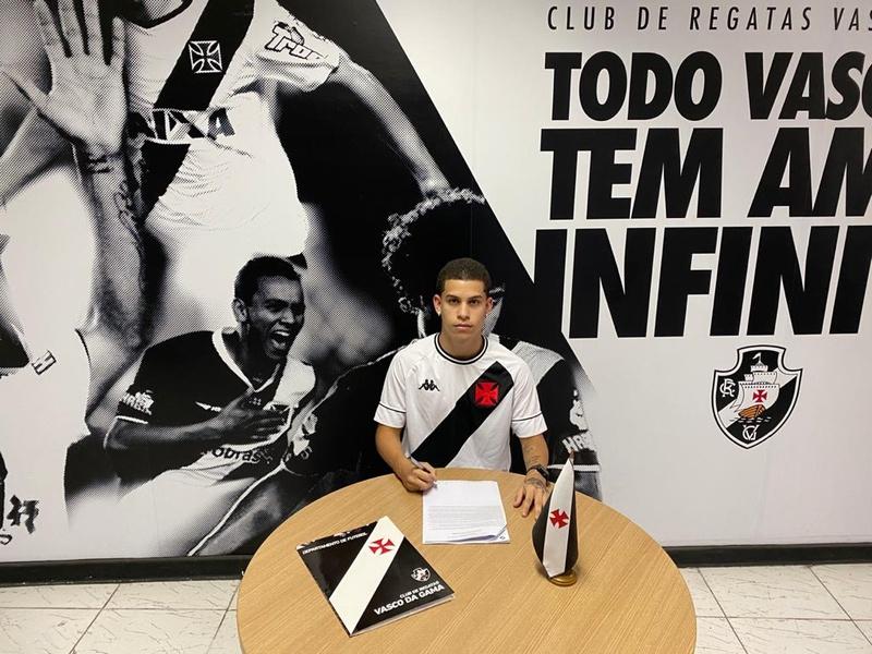 Gabriel Paz assinou até 2023