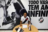 João Menezes renovou contrato até setembro de 2023 (Foto: Divulgação/Vasco)