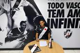 Lucas Chagas assinou até 2023 (Foto: Divulgação/Vasco)
