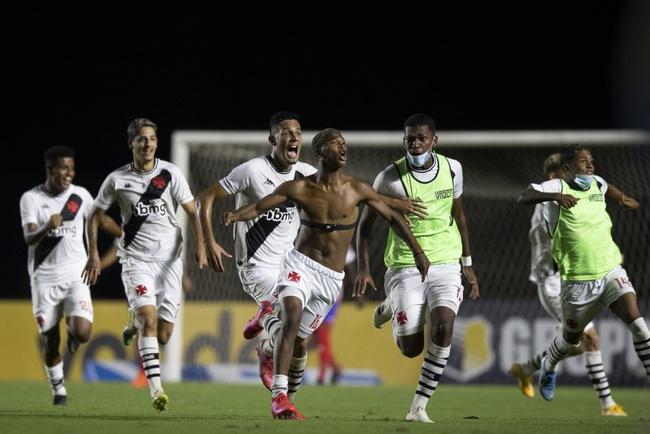 Caio Eduardo comemora gol decisivo contra o Bahia
