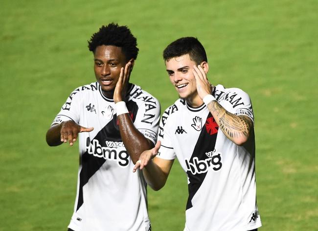 Cayo Tenório e Gabriel Pec em Vasco x Nova Iguaçu