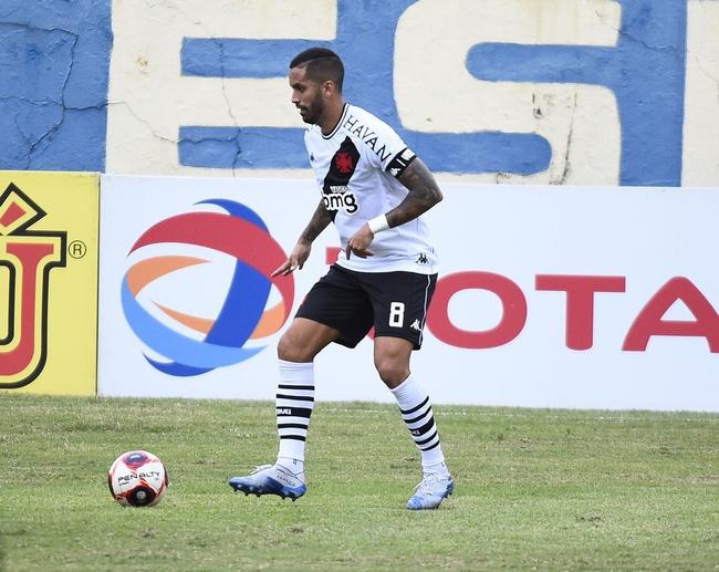 Rômulo em ação em Vasco x Madureira