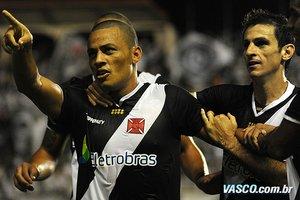 Léo Gago comemora seu gol, terceiro do do Vasco
