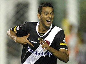 Souza comemorando seu gol contra o ABC