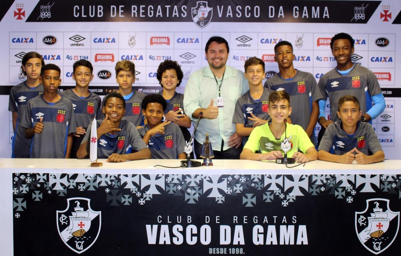 2c1a0a190d Os atletas das categorias sub-12 e sub-13 do Vasco da Gama vivenciaram uma  importante etapa do projeto Media Training