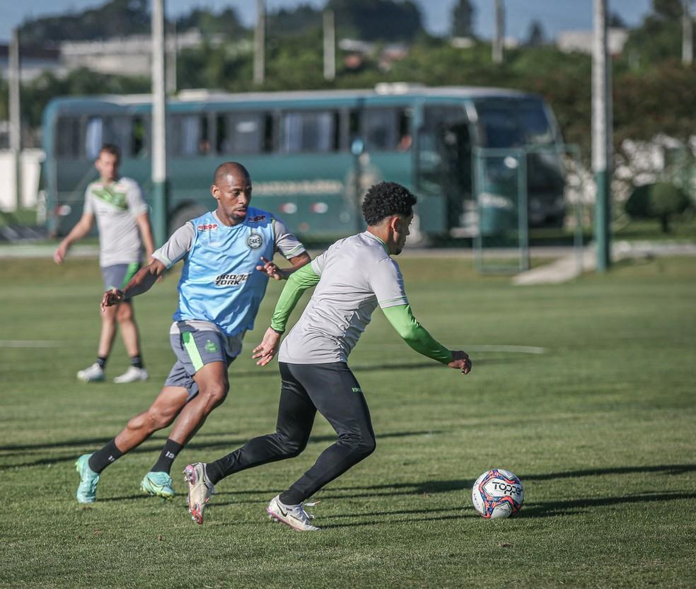 Waguininho e Rafinha, no treino do Coritiba