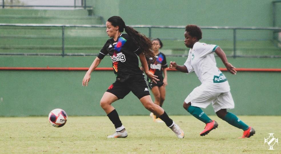 Vasco goleou o Serra Macaense por 8 a 0