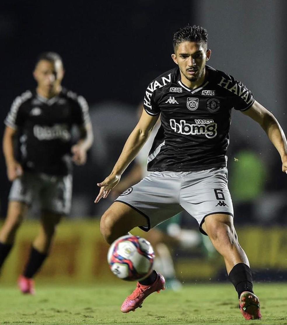 Andrey em ação pelo Vasco contra o Goiás
