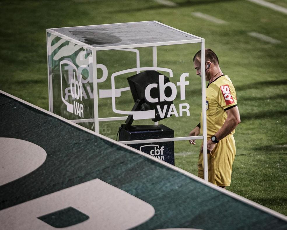 Promessa da CBF é de ter o VAR no returno da Série B